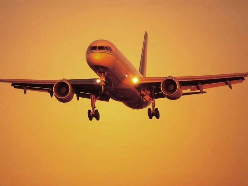 aereo_al_tramonto1