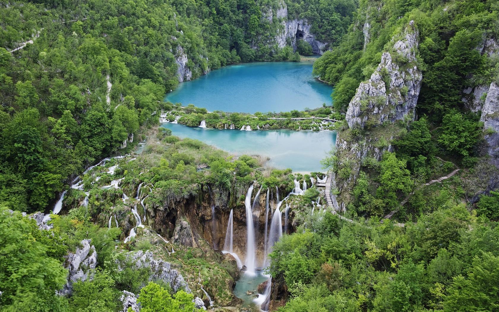 1-Plitvice-Croatia-82643682-1680x1050