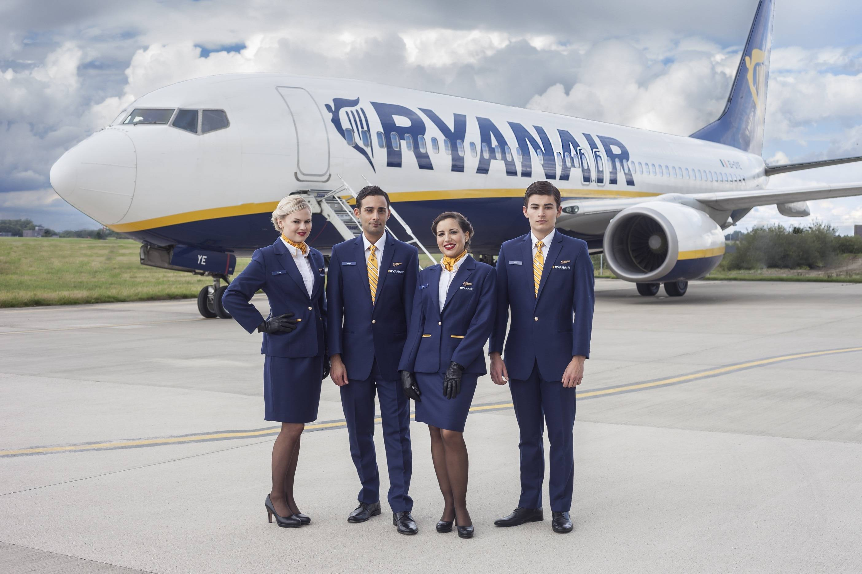 ryanair-uniform 2