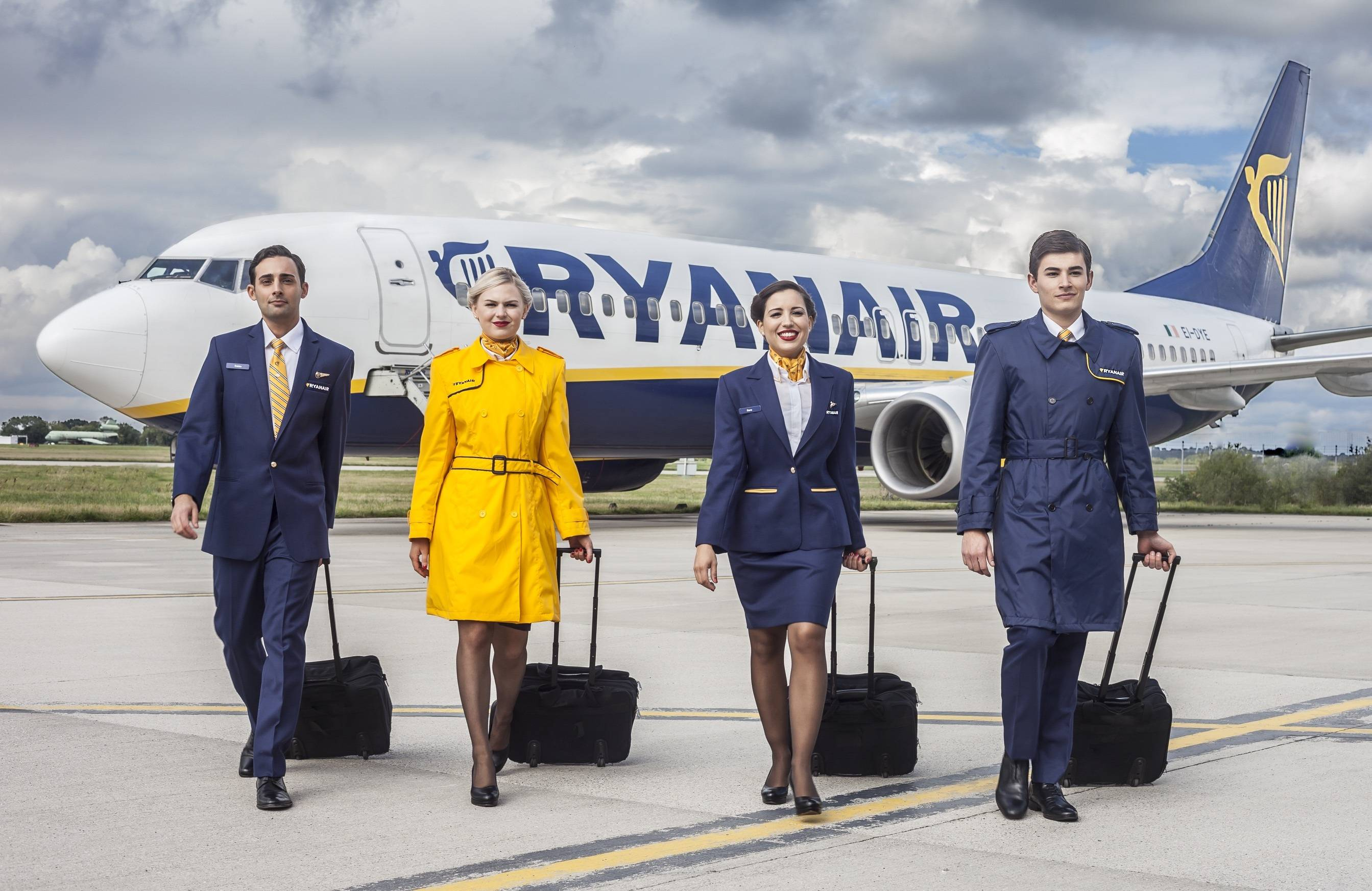 ryanair-uniform