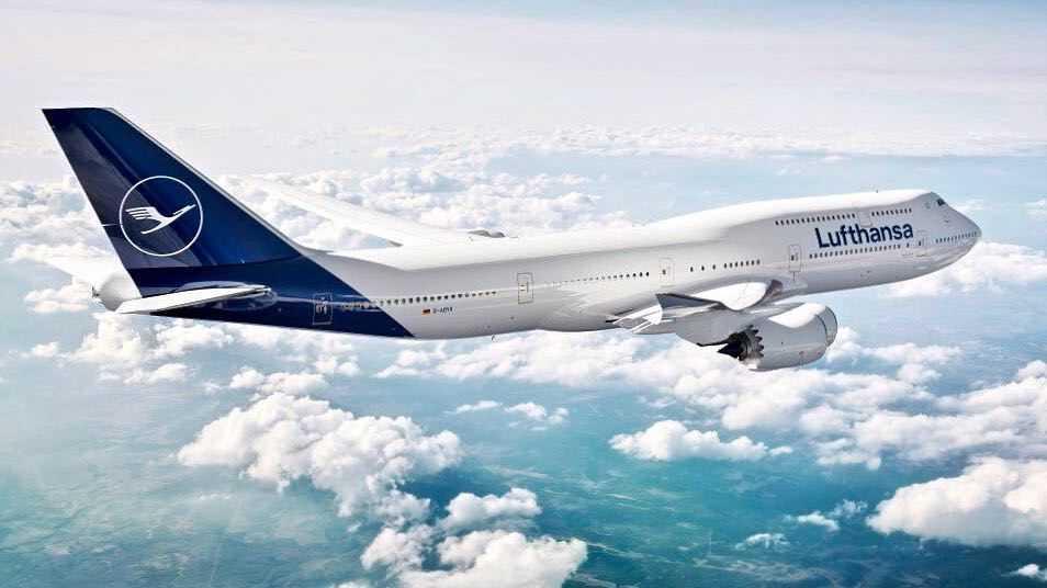 Lufthansa cambia livrea: addio al giallo, diventa blu ...