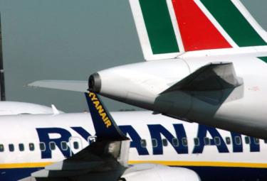 Alitalia_RyanairR375