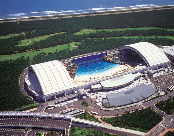 E 39 grande 300 metri per 100 ed la pi grande piscina al for Costo piscina coperta al coperto