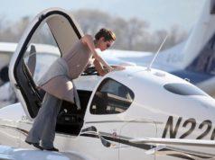 10 celebrità della TV che non sapevi fossero anche piloti d'aerei